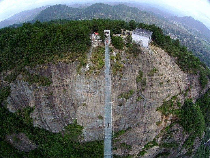 worlds-longest-glass-bridge-shiniuzhai-geopark-china-6