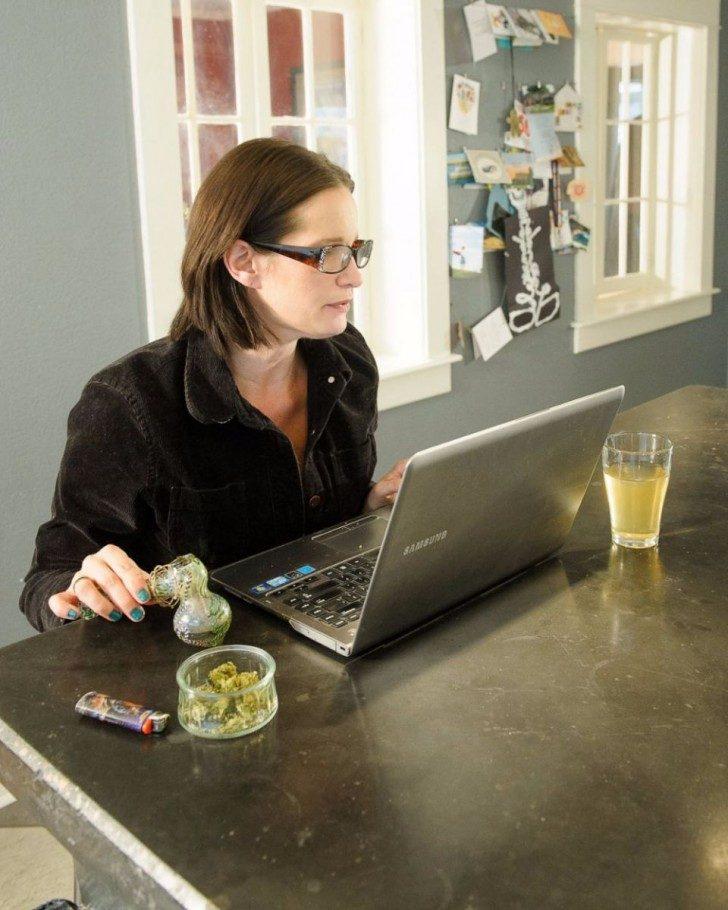 new-stock-photos-take-a-mature-approach-to-marijuana-smokers-89378-960x1200