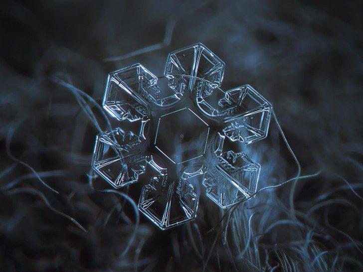 magnified-snowflakes-alexey-kljatov1