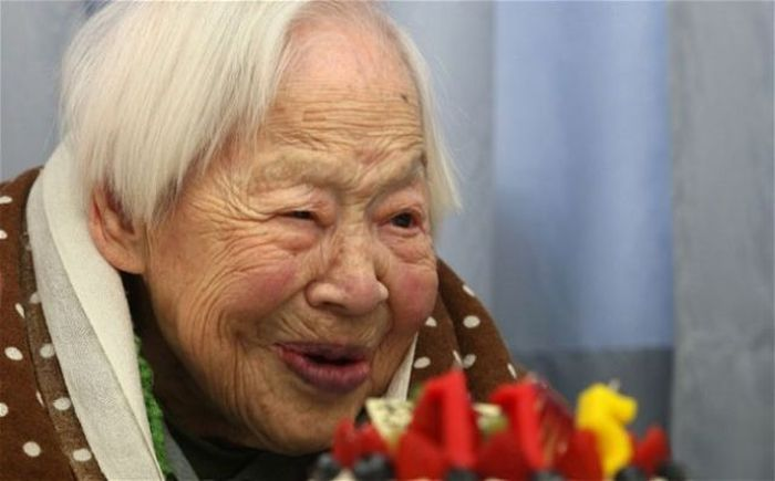 shocking-health-secrets-from-the-oldest-people-on-earth-42144