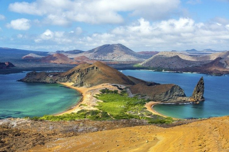 View-from-Bartolome-Island-000061942852_Full