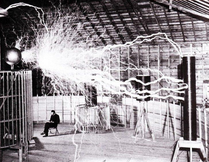 bezprzewodowa-energia-2-tesla