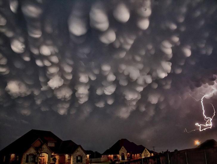 Niesamowite i niezwykle rzadko spotykane rodzaje chmur