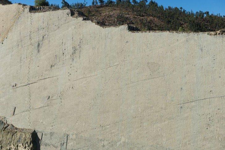 cal-orko-wall-of-dinosaur-footprints-sucre-bolivia-11
