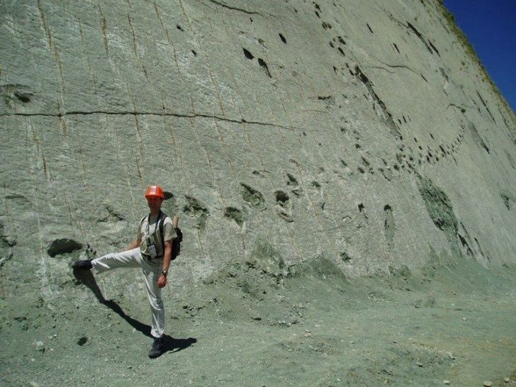 cal-orko-wall-of-dinosaur-footprints-sucre-bolivia-2