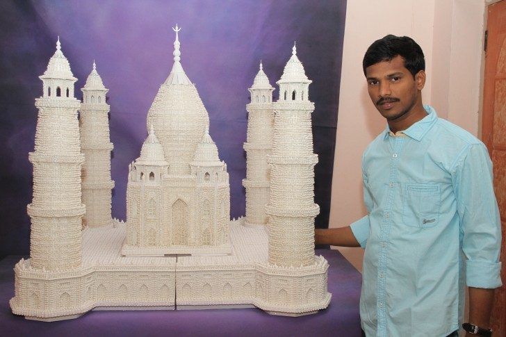 TAJ-MAHAL-CREATED-USING-COTTON-EAR-BUDS-TIPS