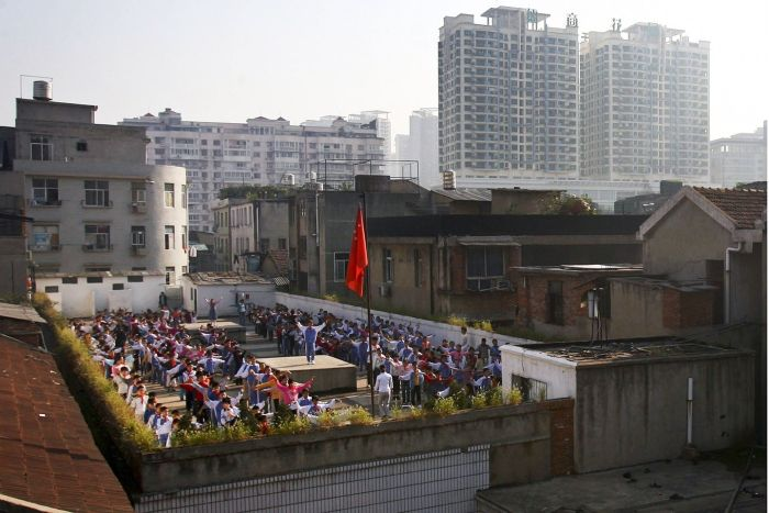 stadiums-on-the-roofs-of-chinese-schools-15011