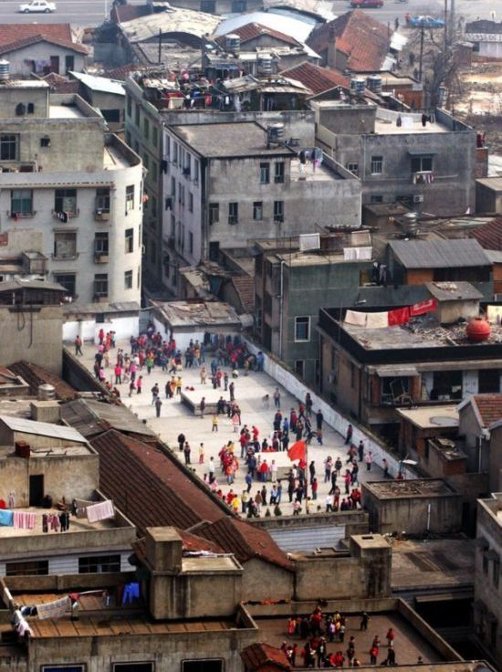 stadiums-on-the-roofs-of-chinese-schools-22761
