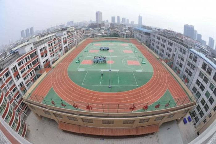 stadiums-on-the-roofs-of-chinese-schools-31791