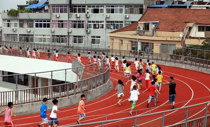stadiums-on-the-roofs-of-chinese-schools-95810