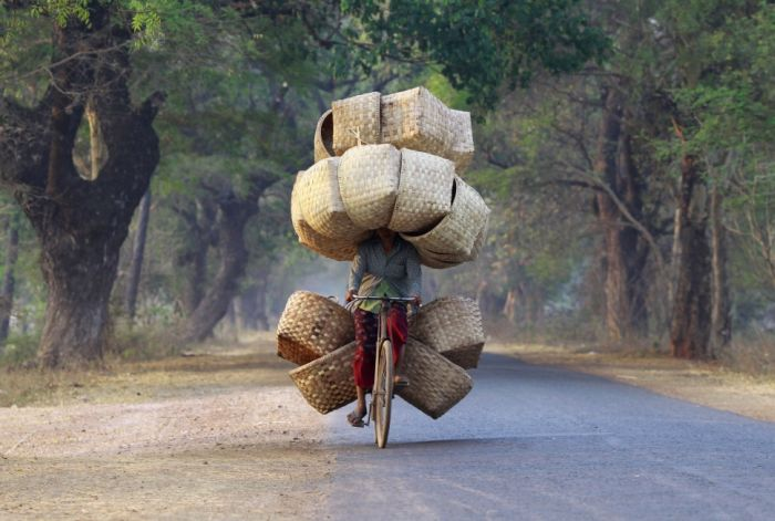 yes-you-can-this-is-how-the-worlds-most-overloaded-transport-looks-like-14942