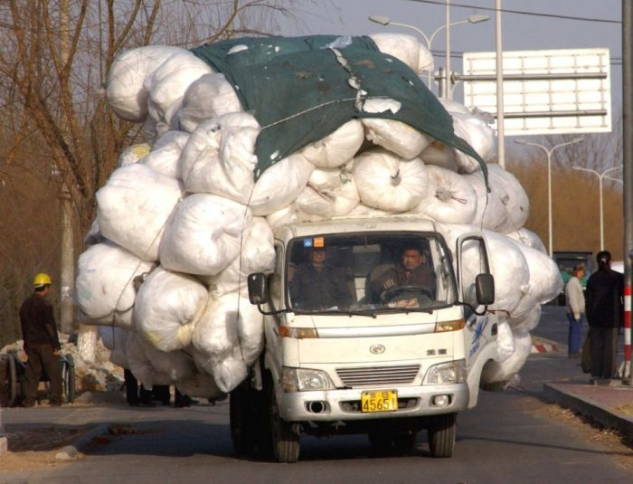 yes-you-can-this-is-how-the-worlds-most-overloaded-transport-looks-like-28927