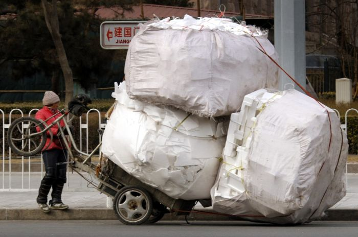 yes-you-can-this-is-how-the-worlds-most-overloaded-transport-looks-like-32738