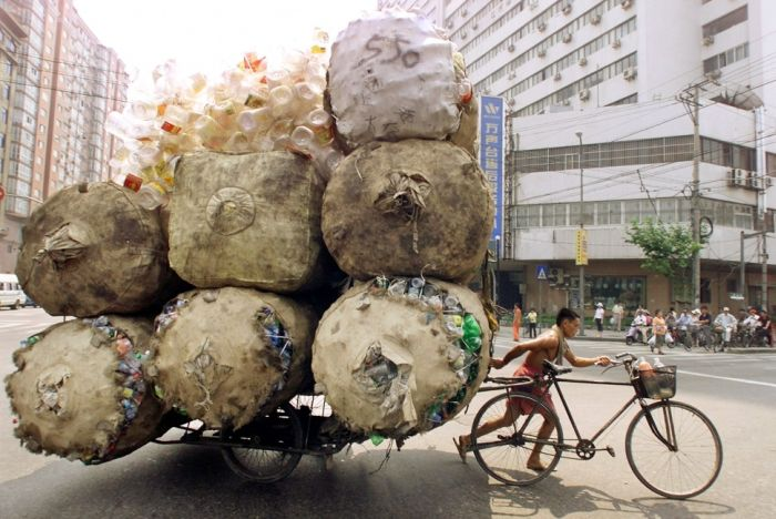 yes-you-can-this-is-how-the-worlds-most-overloaded-transport-looks-like-39524