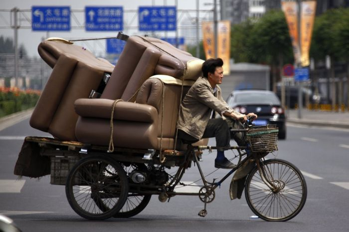 yes-you-can-this-is-how-the-worlds-most-overloaded-transport-looks-like-82637