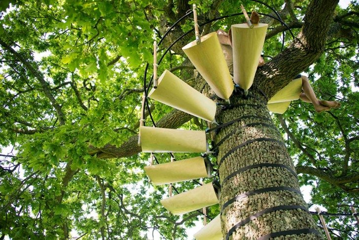 amazing-spiral-staircase-you-can-strap-onto-any-tree-without-tools-59270