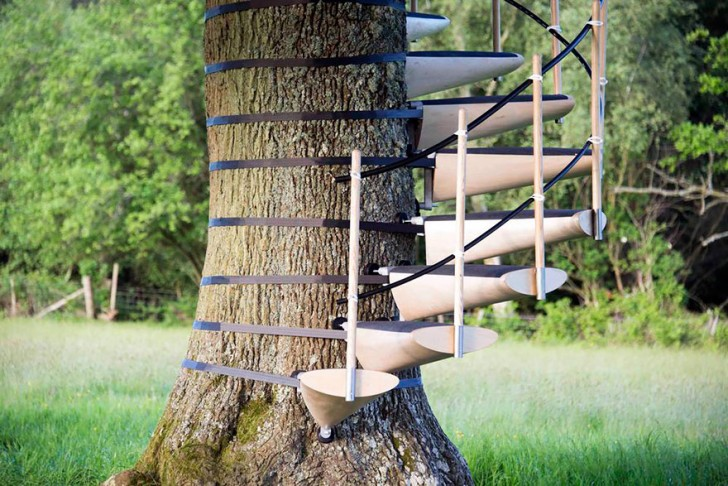 amazing-spiral-staircase-you-can-strap-onto-any-tree-without-tools-75925