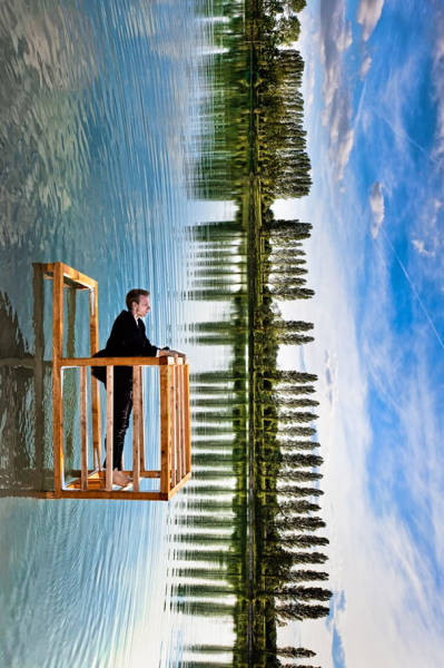 amazing-surreal-images-created-with-forced-perspective-technique-30659
