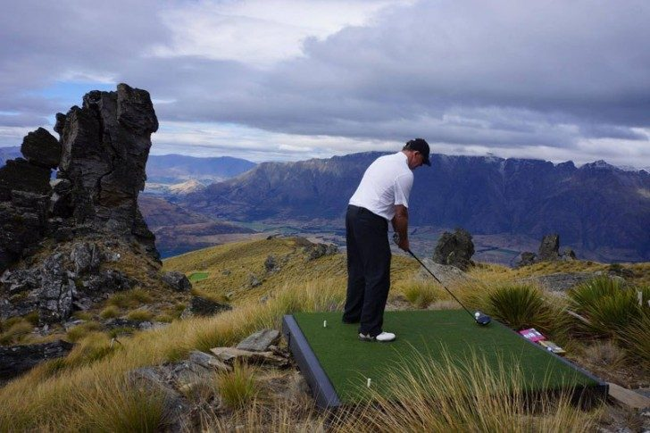 par-3-in-the-sky-helicopter-golf-queenstown-new-zealand-7