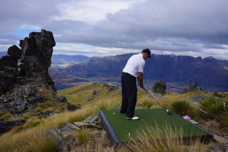 par-3-in-the-sky-helicopter-golf-queenstown-new-zealand-7