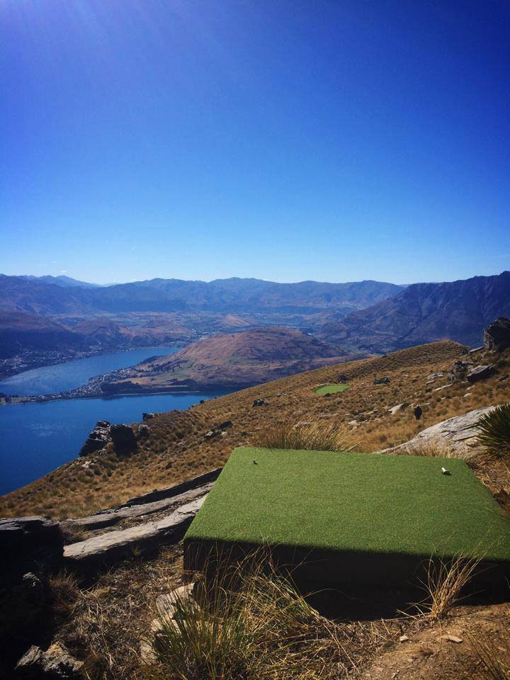 par-3-in-the-sky-helicopter-golf-queenstown-new-zealand-8