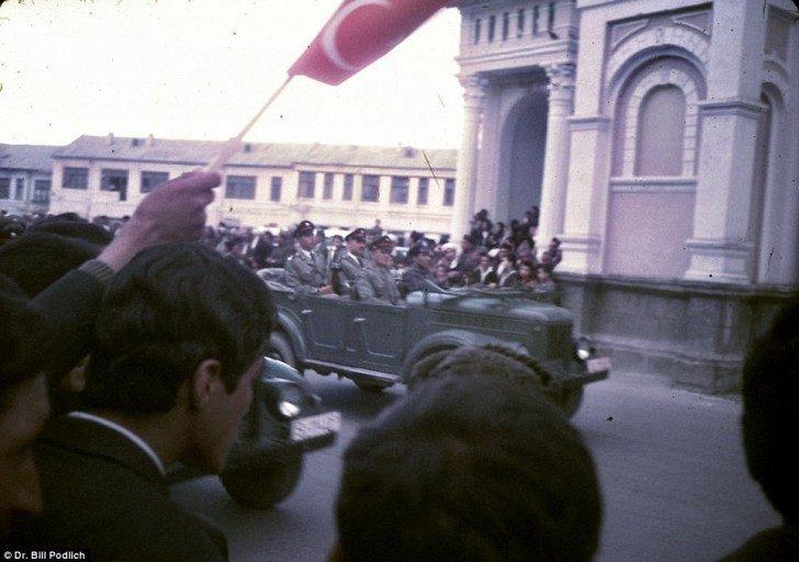 Afgańskie siły wojskowe podczas parady w Kabulu.