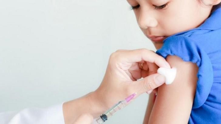 Szczepionki i autyzm. 16 lat temu opublikowano fałszywe wyniki badań