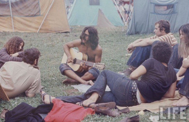 1969-woodstock-music-festival-hippies-bill-eppridge-john-dominis-51-57bc302287032__880