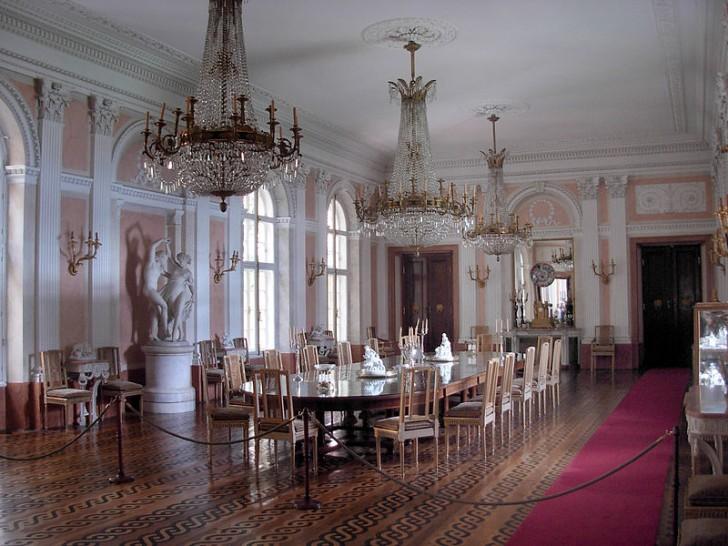 800px-Łańcut_Palace_-_inside_06