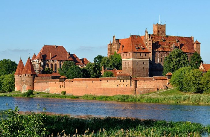 Panorama_of_Malbork_Castle,_part_4
