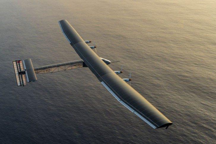 solar-impulse-plane-circumnavigates-globe-without-single-drop-of-fuel-10