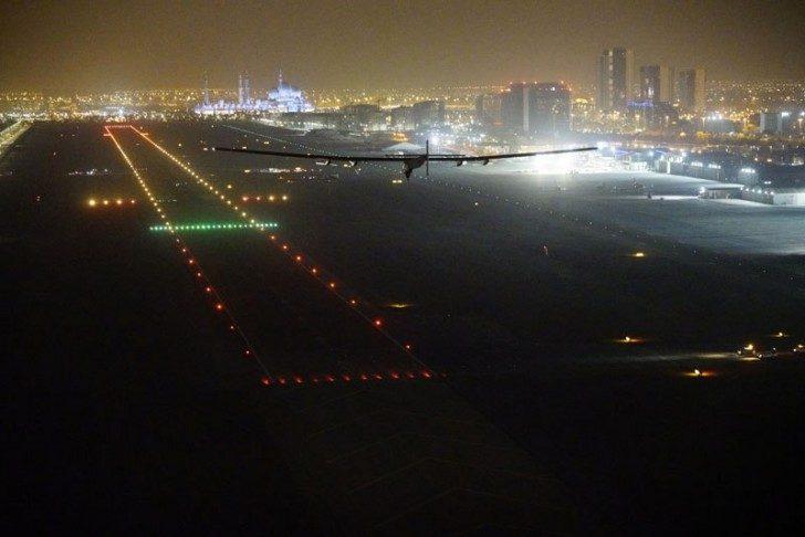 solar-impulse-plane-circumnavigates-globe-without-single-drop-of-fuel-17