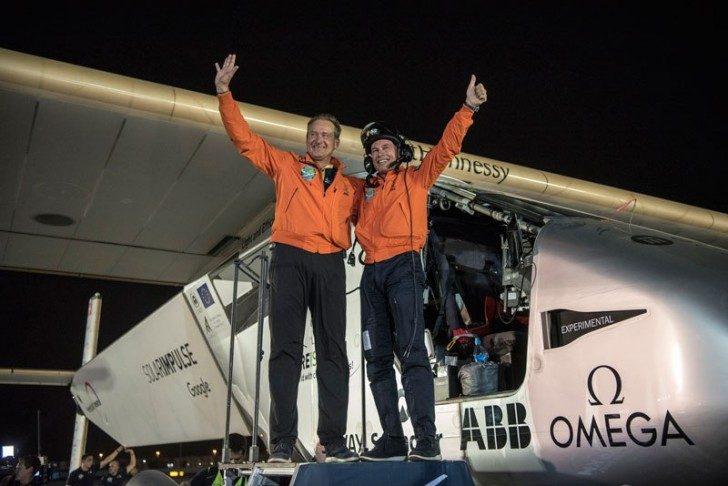 solar-impulse-plane-circumnavigates-globe-without-single-drop-of-fuel-18