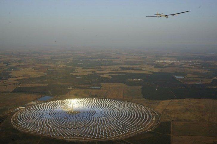 solar-impulse-plane-circumnavigates-globe-without-single-drop-of-fuel-19