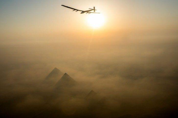 solar-impulse-plane-circumnavigates-globe-without-single-drop-of-fuel-20