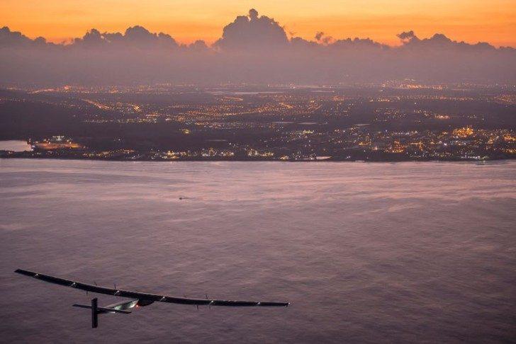 solar-impulse-plane-circumnavigates-globe-without-single-drop-of-fuel-3