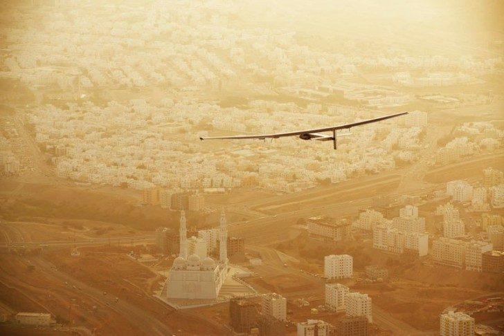 solar-impulse-plane-circumnavigates-globe-without-single-drop-of-fuel-8