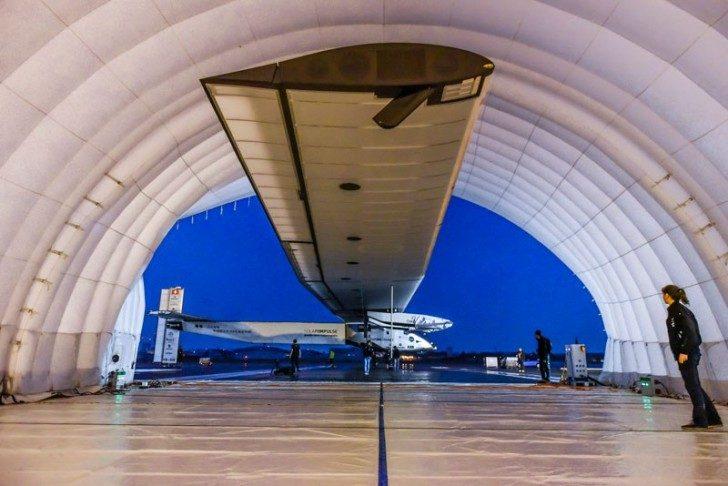 solar-impulse-plane-circumnavigates-globe-without-single-drop-of-fuel-9