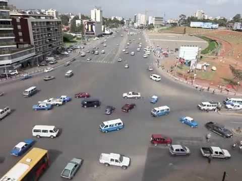 Szalństwo! Etiopskie skrzyżowanie bez świateł i znaków drogowych
