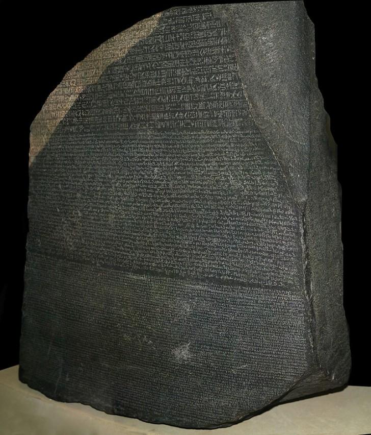 Kamień z Rosetty w Muzeum Brytyjskim. Źródło: wikipedia.