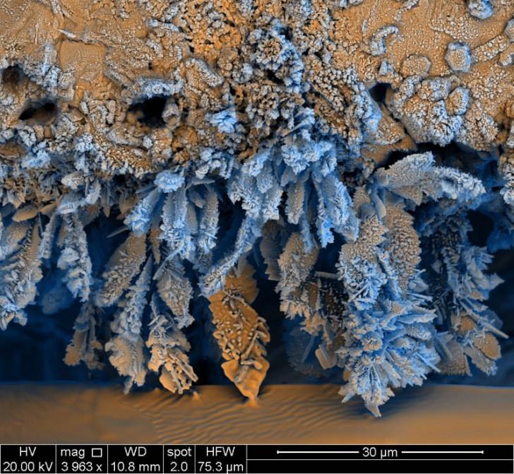 iron-oxide-electron-microscope-photograph-francisco-rangel