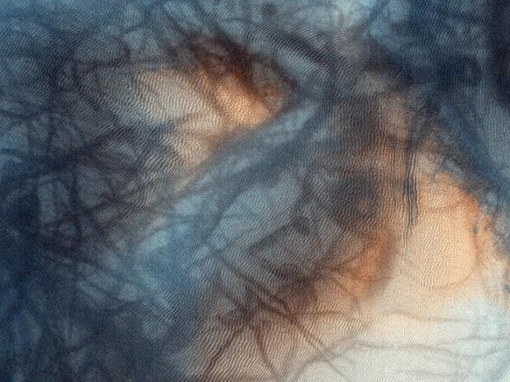mars-landscape-black-swirls-whole