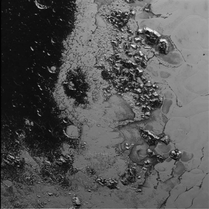 nh-pluto-mountain-range-1