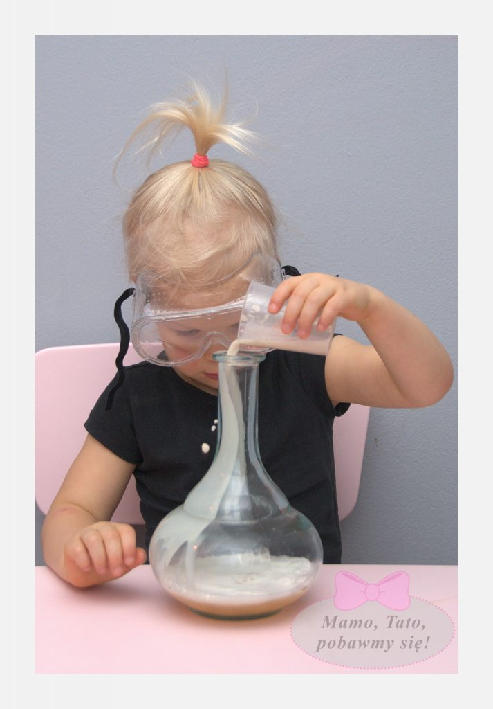 dzieciece-eksperymenty-sloniowa-pasta-do-zebow-6-713x1024
