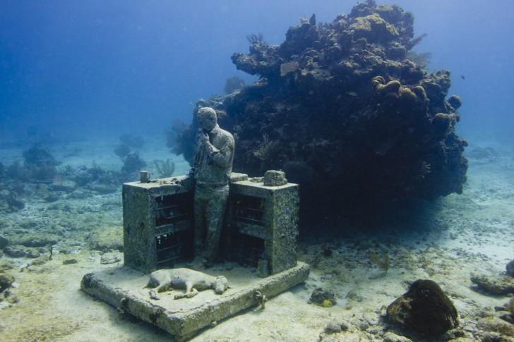 sculpture-musa-the-dream-collector-jason-de-caires-taylor