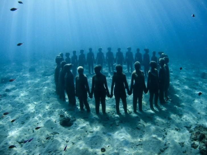 extraordinary-underwater-museum-that-will-make-you-speechless-34148
