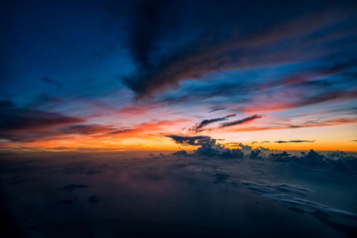 storm-sky-photography-airline-pilot-christiaan-van-heijst-20-57eb6816eafb7__880