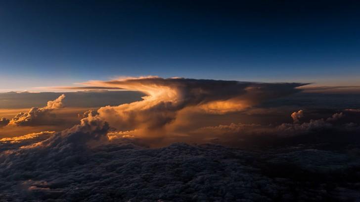 storm-sky-photography-airline-pilot-christiaan-van-heijst-24-57eb68211225c__880