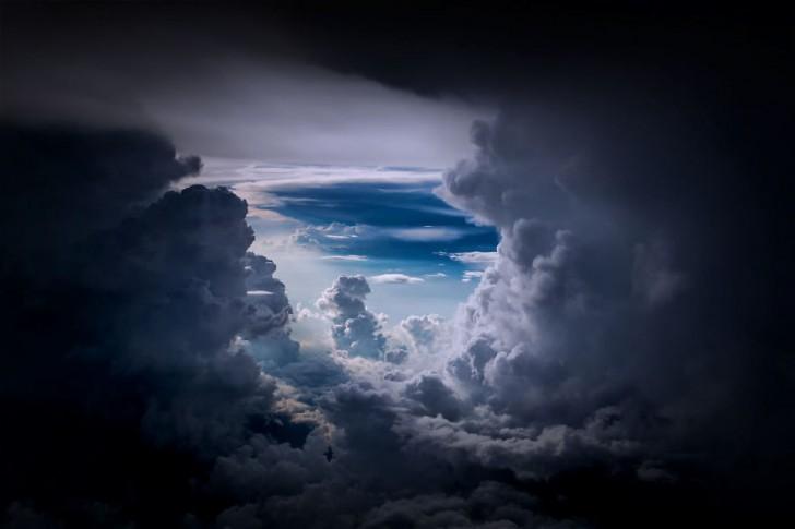 storm-sky-photography-airline-pilot-christiaan-van-heijst-25-57eb68231739b__880