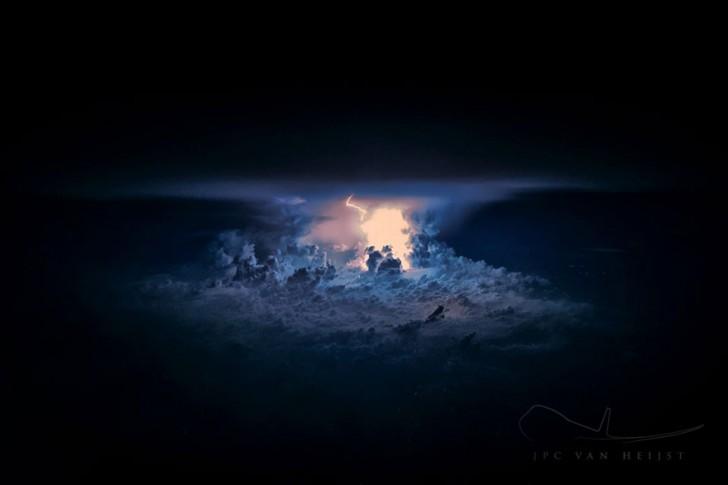 storm-sky-photography-airline-pilot-christiaan-van-heijst-5-57eb67f6d9149__880